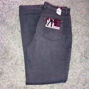 GLORIA VANDERBILT   Brand New Jeans